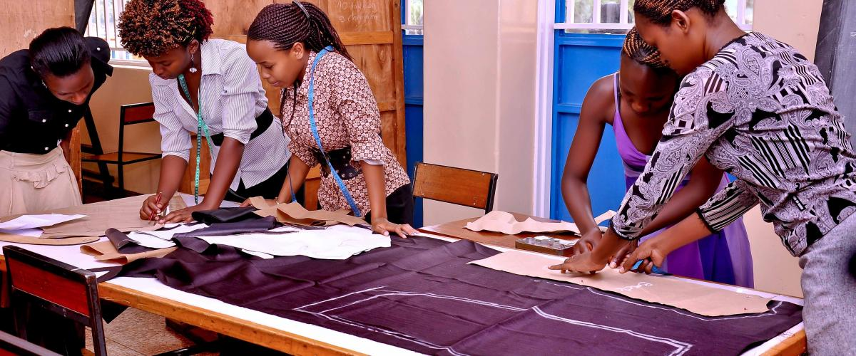 Tailoring Students in a practical session